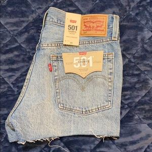Women's 501 Levi's Shorts Button Fly Size 28